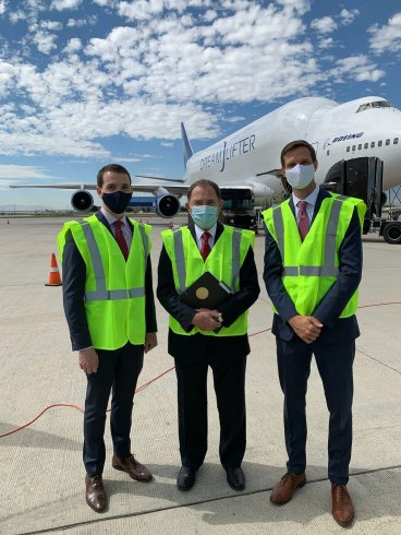 Governor Herbert and the airliner that brought masks for teachers and students in Utah.